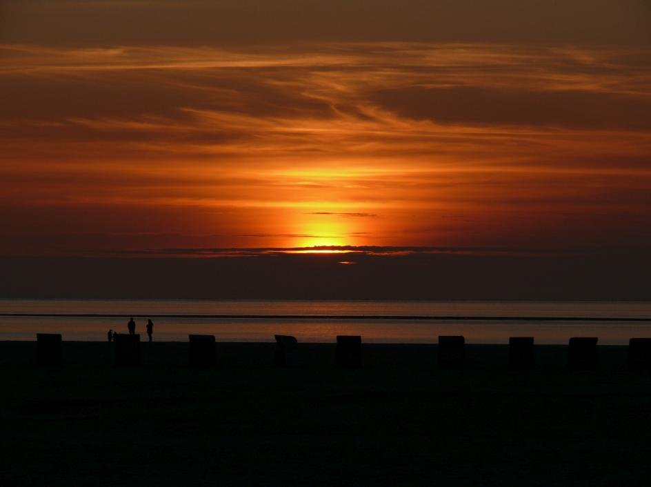 Brückentage 2022 für Niedersachsen: Sonnenuntergänge auf Amrum genießen